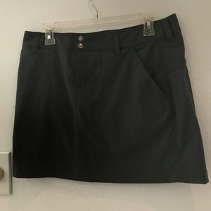 Columbia Omni shield sportswear gray skirt size 10